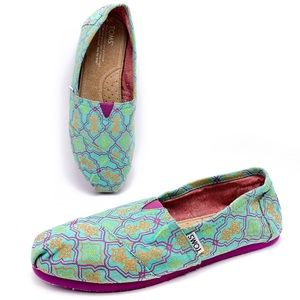 Toms Classic 8.5 Turquoise Geometric Loafers Flats